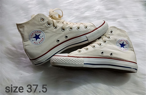 Giày converse cổ cao trắng size 37.5